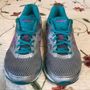 ASICS Women's Gel-Cumulus 18 running Shoe Sz 9